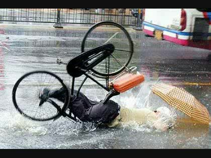 自転車は歩道を走り続けたほう ...
